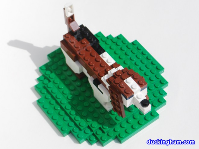 image of a LEGO Basset Cake Topper 4